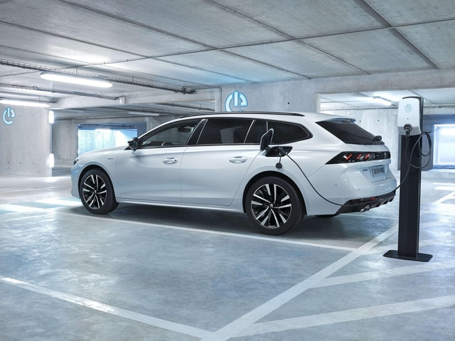 Plug-in hybride-technologie - Opladen en parkeren combineren