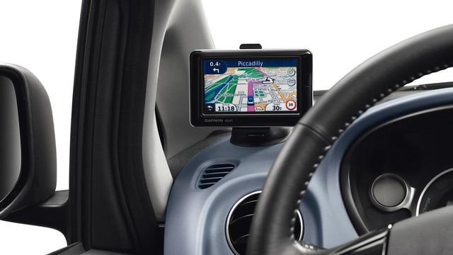 Peugeot iOn - portable online navigatiesysteem