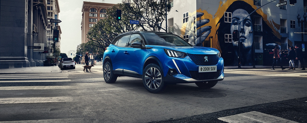 Nieuwe Peugeot e-2008 SUV - de nieuwe elektrische compacte SUV van Peugeot