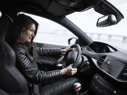 De nieuwe Peugeot 308 GTi by Peugeot Sport: i-Cockpit