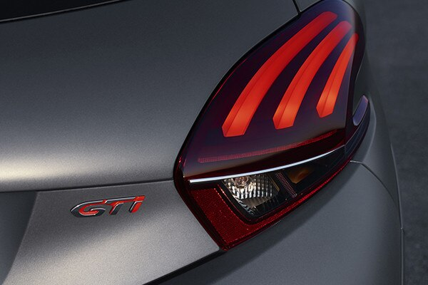 Peugeot 208 GTi - lichtidentiteit