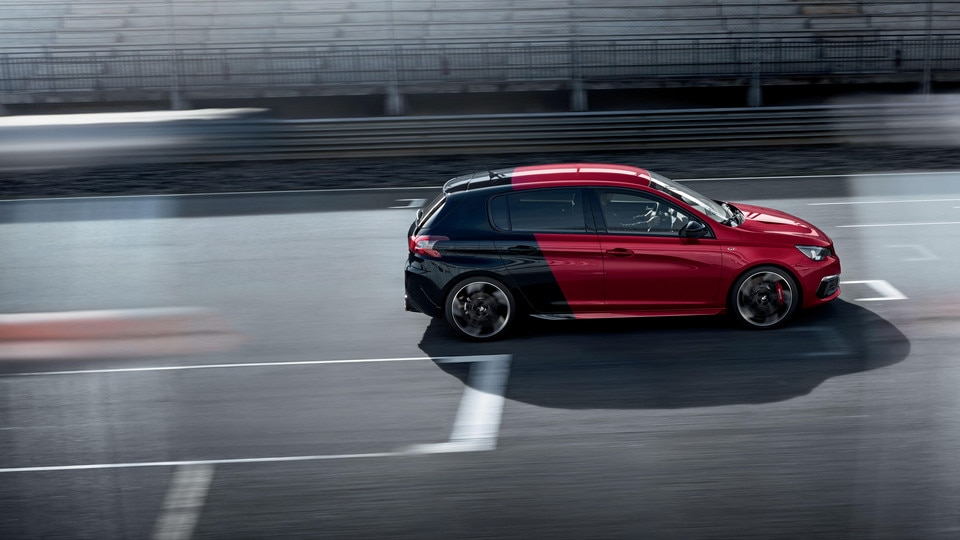 De nieuwe Peugeot 308 GTi by Peugeot Sport: Coupe Franche rood/zwart