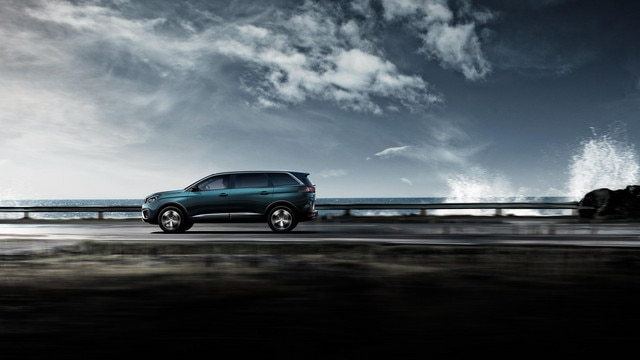 Nieuwe PEUGEOT 5008 SUV: Grote en sterke SUV