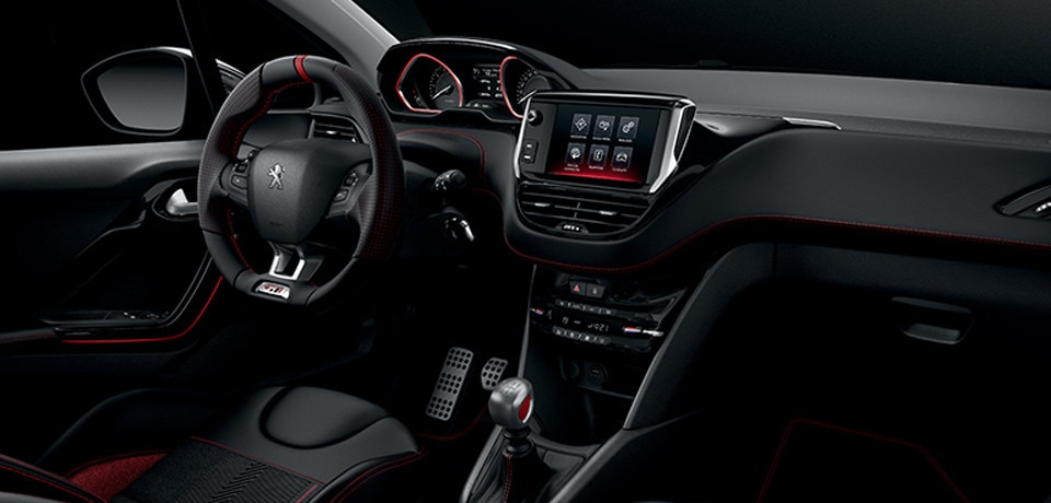 Peugeot 208 GTi - i-Cockpit®