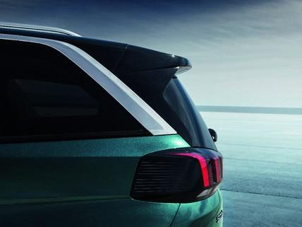 Nieuwe PEUGEOT 5008 SUV: Achterzijde met lichtgevende klauwen