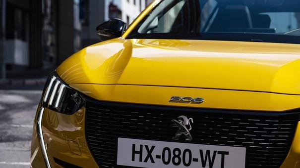 Nieuwe Peugeot 208 - Full led-koplampen met 3 klauwen en led-dagrijverlichting