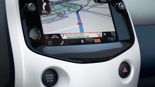 Peugeot 108 - 7 inch touchscreen