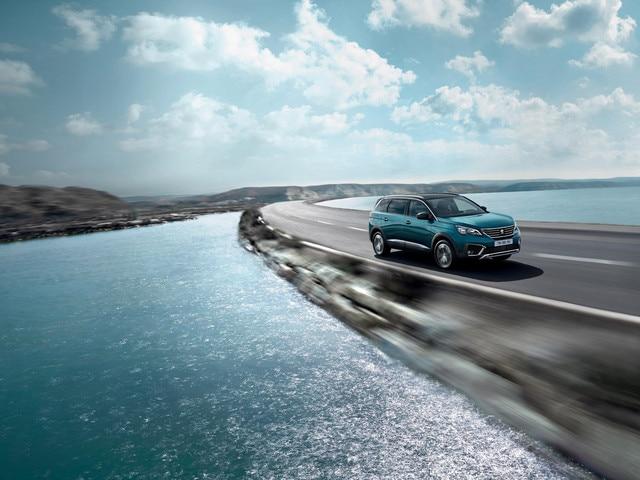 Nieuwe PEUGEOT 5008 SUV: Dynamische prestaties