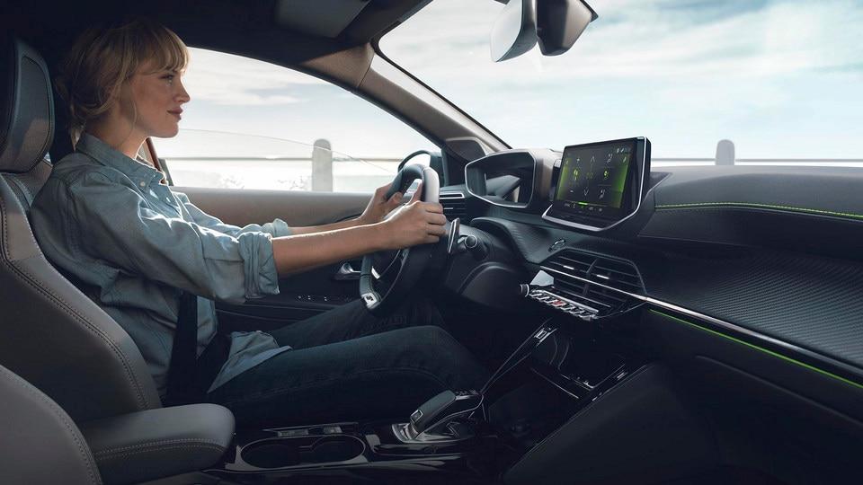 Nieuwe Peugeot 208 - Nieuwe PEUGEOT i-Cockpit® 3D en EAT8-transmissie