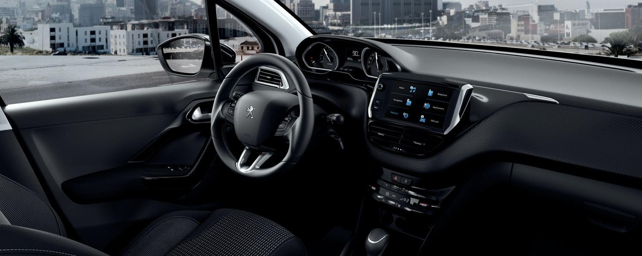 Peugeot 208 5 deurs - interieur - intense rijbeleving met de PEUGEOT i-Cockpit®