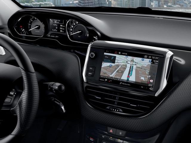 Peugeot 208 - 5 deurs -  Connect 3D-navigatiesysteem met spraakherkenning