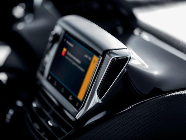 Peugeot 2008 SUV - Mirror Screen