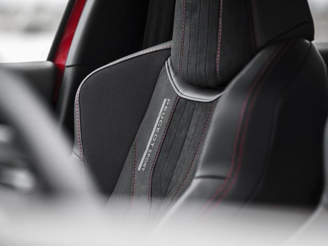 De nieuwe Peugeot 308 GTi by Peugeot Sport: kuipstoelen, leder met stof en alcantara