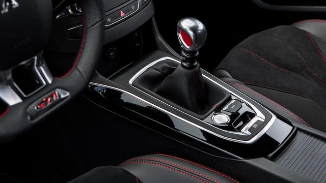 De nieuwe Peugeot 308 GTi by Peugeot Sport: versnellingsbak