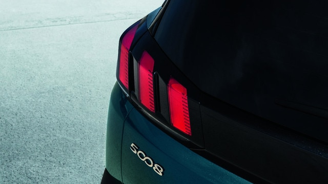 Nieuwe PEUGEOT 5008 SUV: Full led-lichtsignatuur