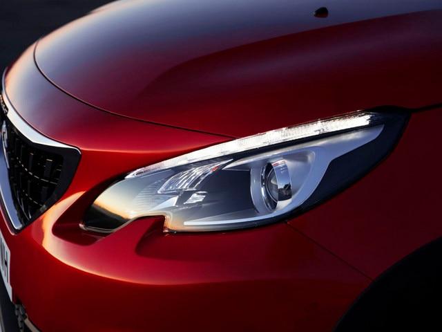 Peugeot 2008 SUV - geïntegreerde koplampen