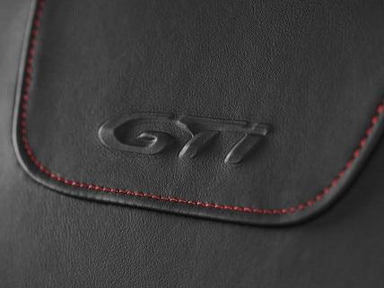 Peugeot 208 GTi - bekleding GTi-logo