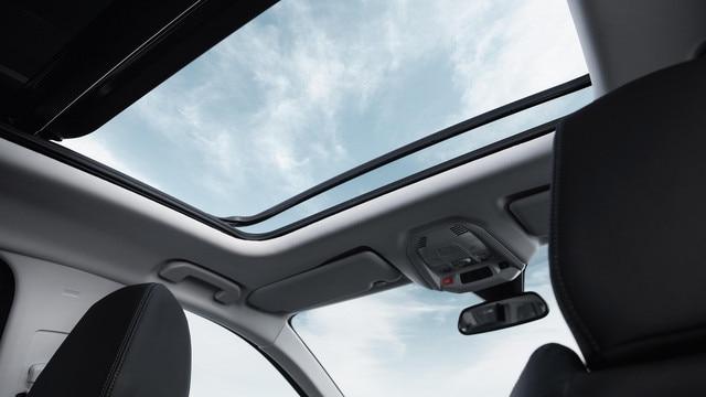 Nieuwe PEUGEOT 5008 SUV: Panoramisch schuif-/kanteldak
