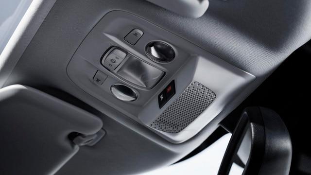 Peugeot 2008 SUV - Connect SOS & Assistance