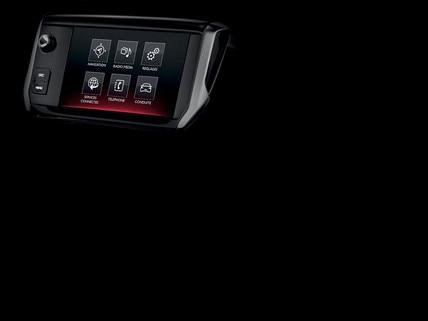 Peugeot 208 GTi - touchscreen