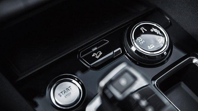 Nieuwe PEUGEOT 5008 SUV: Draaiknop van de Advanced Grip Control