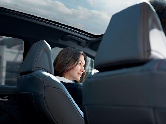 De nieuwe Peugeot 308 – groot panoramadak met zonnescherm