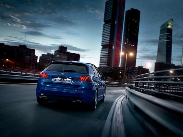 De nieuwe Peugeot 308 GT – Achteraanzicht – Een voortreffelijke wegligging