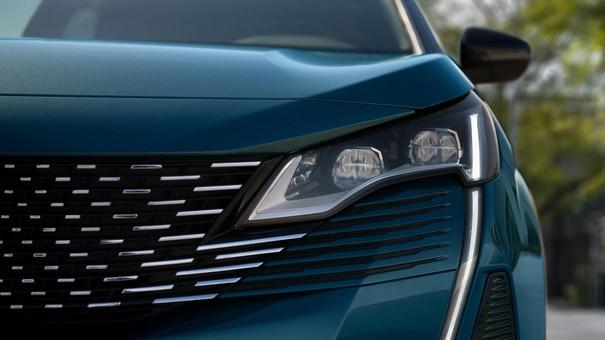 Nieuwe Peugeot 5008 SUV - Full LED koplampen
