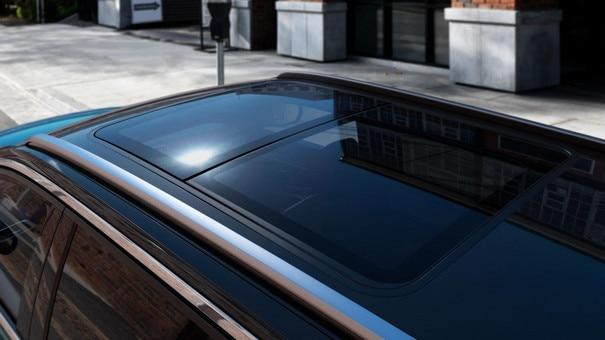 Nieuwe Peugeot 5008 SUV - Panoramisch schuif/kanteldak