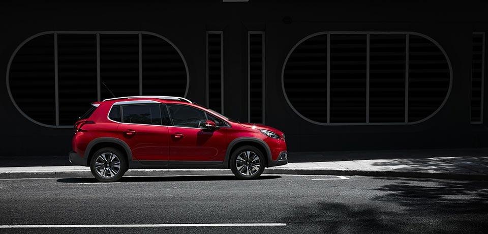 Peugeot 2008 SUV - zijaanzicht
