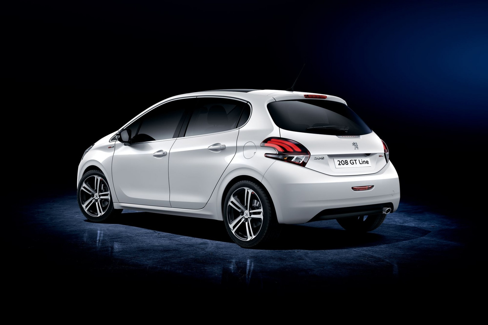 peugeot 208 gt line sportieve en compacte auto van peugeot. Black Bedroom Furniture Sets. Home Design Ideas