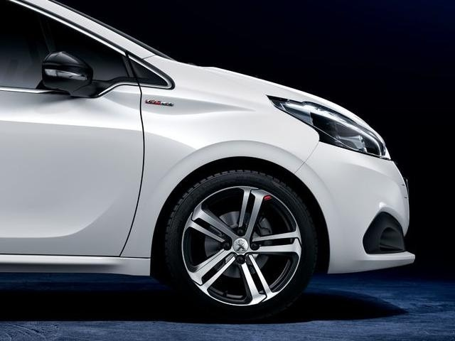 Peugeot 208 GT-Line - zijaanzicht