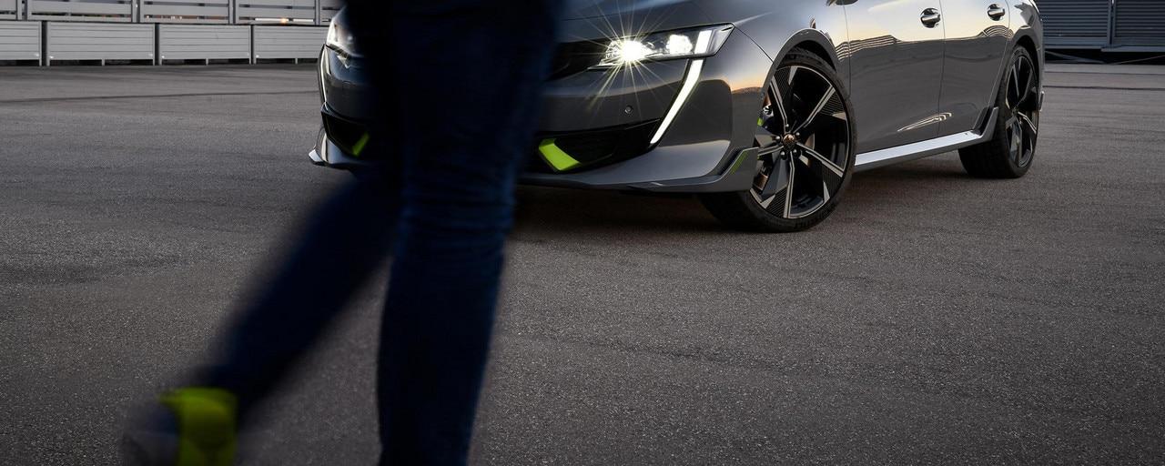 Nieuwe high performance hybride-berline 508 PEUGEOT SPORT ENGINEERED