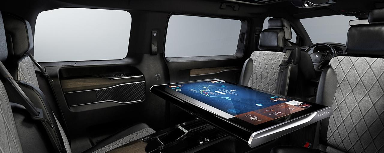 Peugeot Traveller i-Lab - interieur