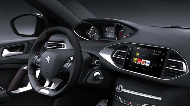 De nieuwe Peugeot 308 SW GT Line – interieur met aluminium stijlelementen en rode sierstiksels