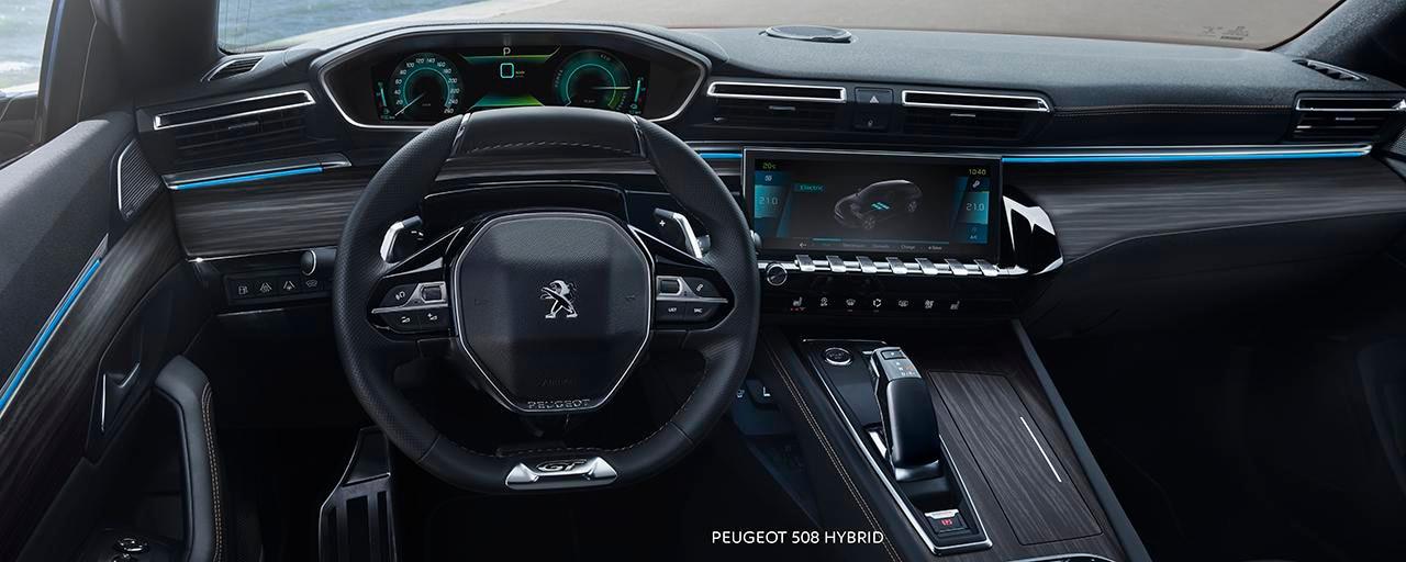 Nieuwe Peugeot 508 HYBRID Berline, PEUGEOT i-Cockpit® met head-up instrumentenpaneel en compact stuurwiel