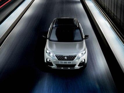 Peugeot 3008 SUV HYBRID4: rijden op de weg