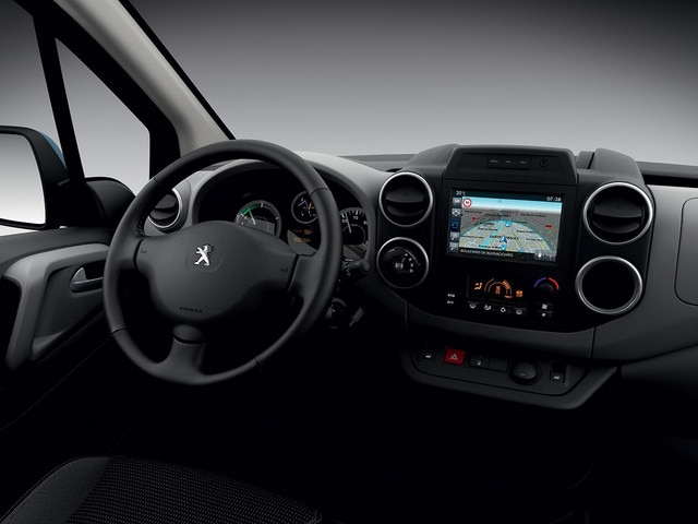/image/32/0/peugeot-partnerelectric-homepage-03.160993.262320.jpg