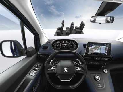 Peugeot  - Virtual Reality -  7 seat Modularity