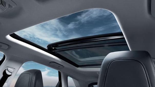 Peugeot 3008 SUV HYBRID4: panoramadak