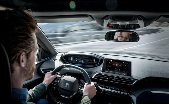 Peugeot 3008 SUV HYBRID4: Driver Attention Alert