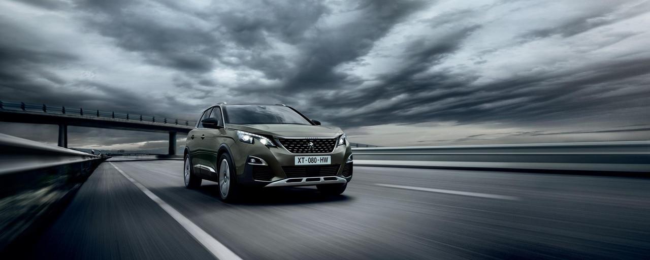 Peugeot 3008 SUV: schuin van voren