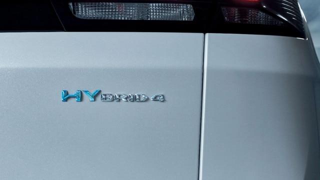 Peugeot 3008 SUV HYBRID4: HYBRID-badge