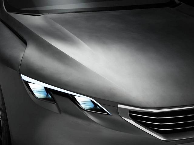 Peugeot Exalt - HYbrid4-technologie