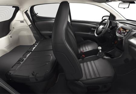 Peugeot 108 5 deurs design bekijk het ontwerp for Interieur peugeot 108