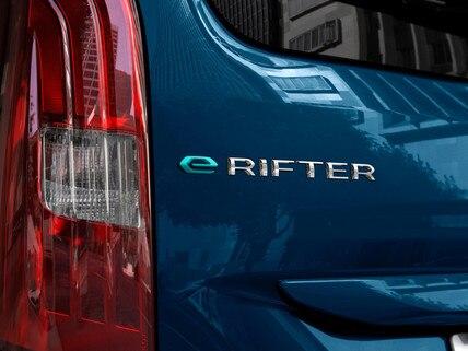 """Nieuwe PEUGEOT e-Rifter – """"e-Rifter""""-embleem"""