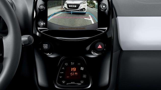 Peugeot 108 – Achteruitrijcamera