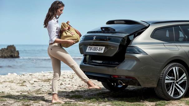Nieuwe Peugeot 508 SW, grote bagageruimte met een extra brede achterklep