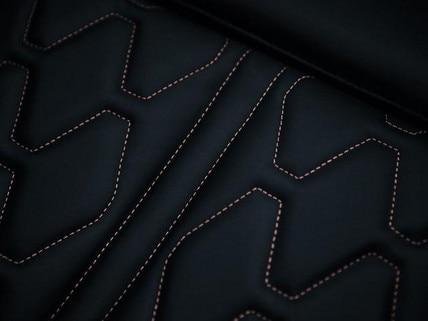 PEUGEOT 5008 SUV GT: Koperkleurige sierstiksels