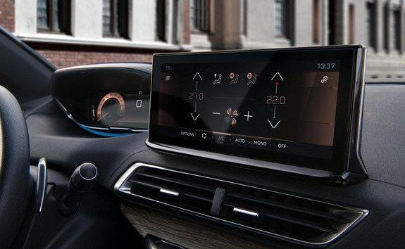Nieuwe Peugeot 3008 SUV –  Connected HD touchscreen